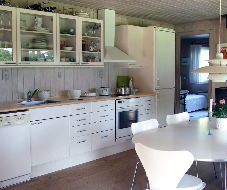 How To Get Amazing Results With Black or White Kitchen ...