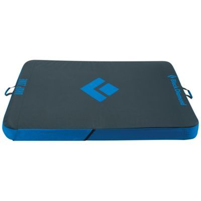 The Black Diamond Drop Zone Crashpad Is A Mid Sized Crash Pad For Bouldering Earn Up To 10 Back In Moosejaw Reward Drop Zone Diamond Drops Black Diamond Ski