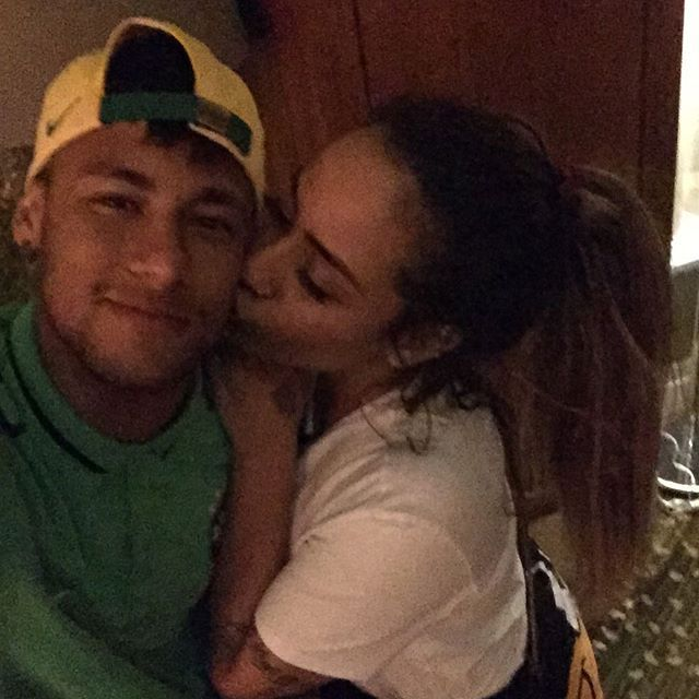 neymar and rafaella relationship marketing