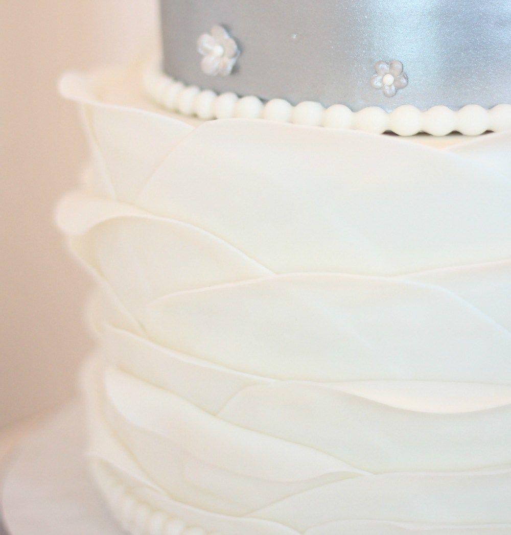 Elegant rustic silver wedding cake wedding cake fondant ruffles