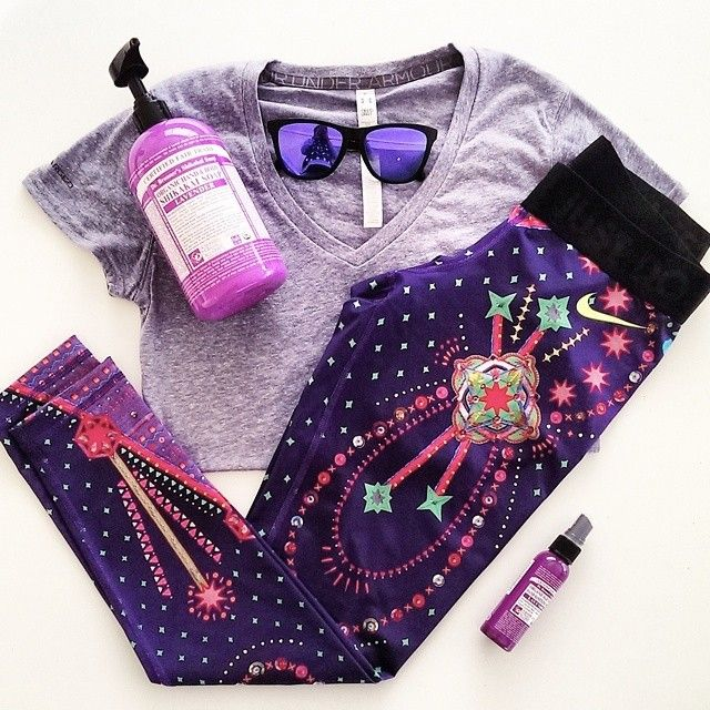 Seeing purple // A few of my favourites from my workout wardrobe and Dr. Bronner's soap and hand sanitiser keeping the nasty winter germs away! A x #AAFITKIT #flatlay #flatlayapp #flatlays @athleticaesthetic_
