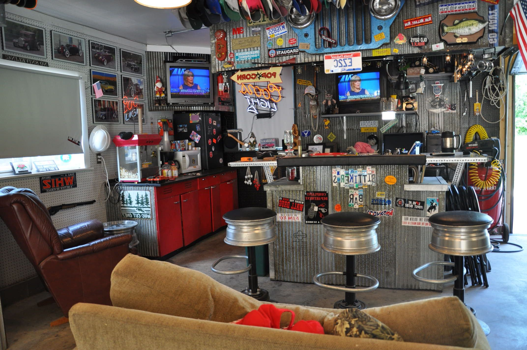 Small Man Cave Ideas Garage