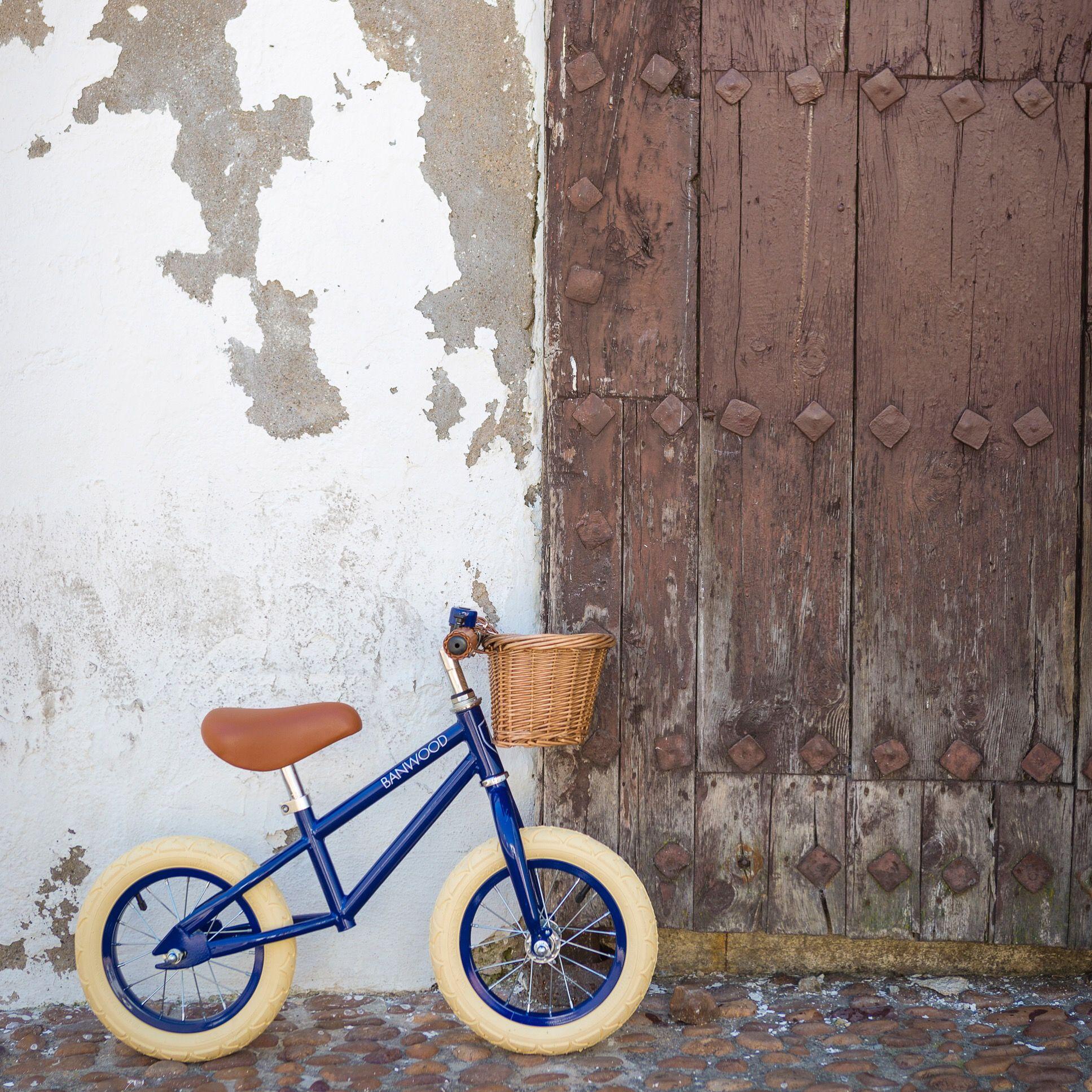 c9c150aa22f FIRST GO! - White | FIRST GO! | Kids bike, Balance bike, Bicycle ...