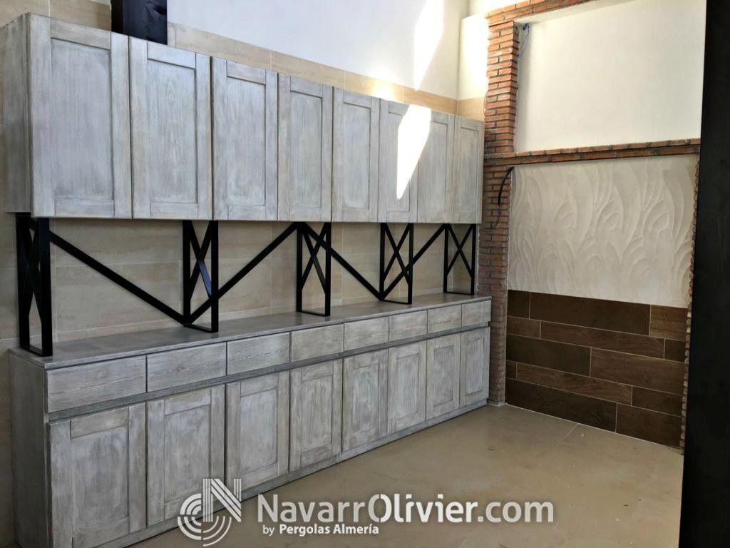 Mueble de madera de pino, diseño original, acabado de la madera con ...
