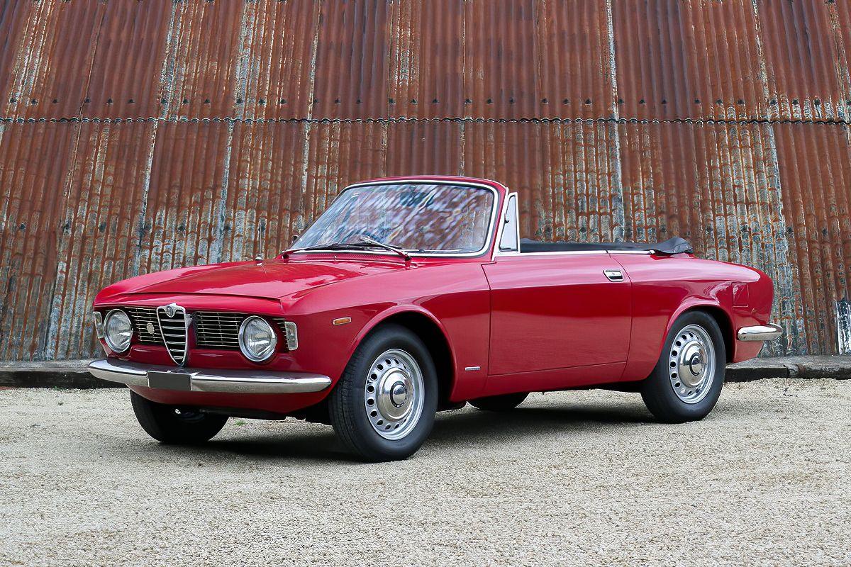 1966 Alfa Romeo Giulia Gtc In 2020 Alfa Romeo Giulia Alfa Romeo Alfa Romeo Cars
