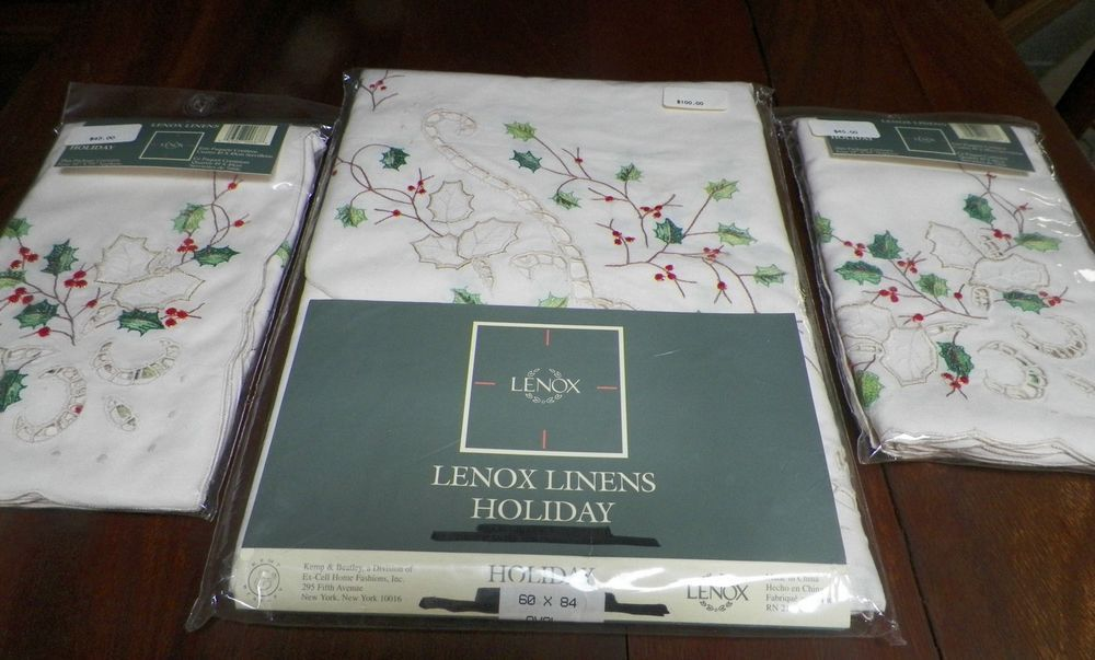Gorgeous Lenox Linens Holiday Tablecloth Oval 8 Napkins Christmas NEW