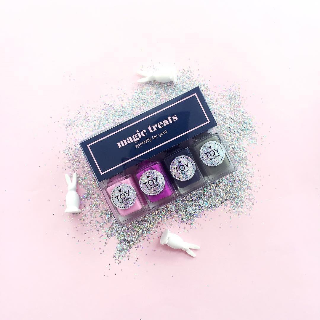 Magic Treats specially for you!! // No puedes perderte nuestros cuatro nuevos tonos! Encuéntralos en la cajita de regalo más especial!! Visita www.toystyle.co LINK directo en la BIO #toystyle #nailpolish #5free #healthy #nails #ultrapink #cottoncandy #atlanticblue #camouflage