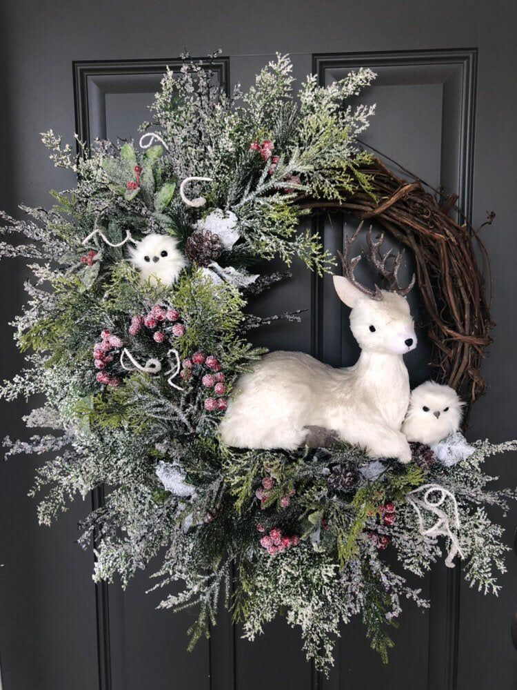 Rustic Deer And Owls Christmas Wreath Holiday Wreath Christmas Etsy In 2020 Christmas Wreaths Diy Christmas Wreaths Holiday Wreaths Christmas