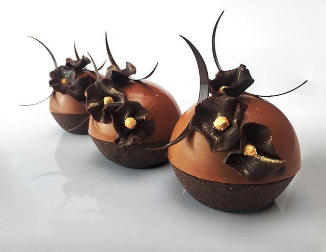My tart in this month's Le Journal du Pâtissier, featuring yuzu caramel! Ma tarte dans Le Journal du Pâtissier de ce mois! #pastry #pastrychef #patisserie #patissier #paris #pastryelite #pastryinspiration #cheftalk #patisseriemoderne  #aussie #australian #french #france #passion #lejournaldupatissier #journaldupatissier #bellouetconseil #pastrychefsinaustralia #dessert #chocolate #tarte #petitgateau #sucre #foodporn .