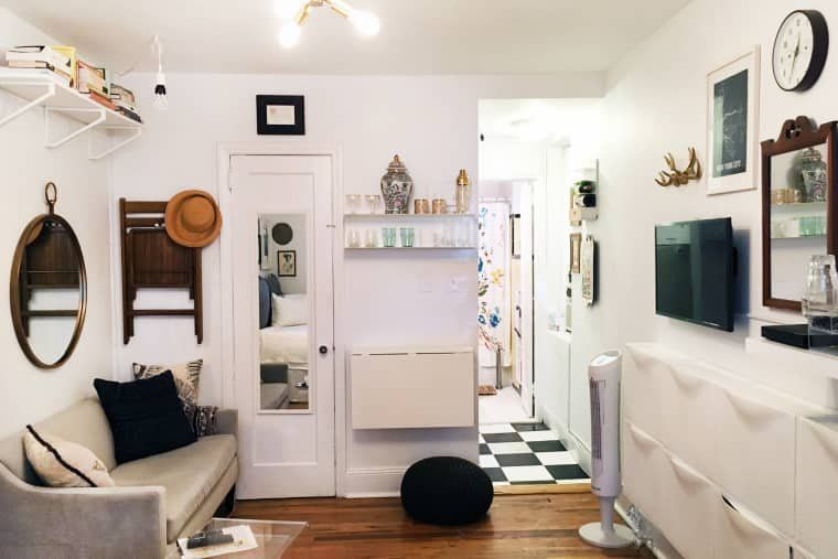 A Teeny 225 Square Foot Studio Has All The Small Space Saving Solutions Studio Apartment Decorating Small Apartment Design Small Room Design