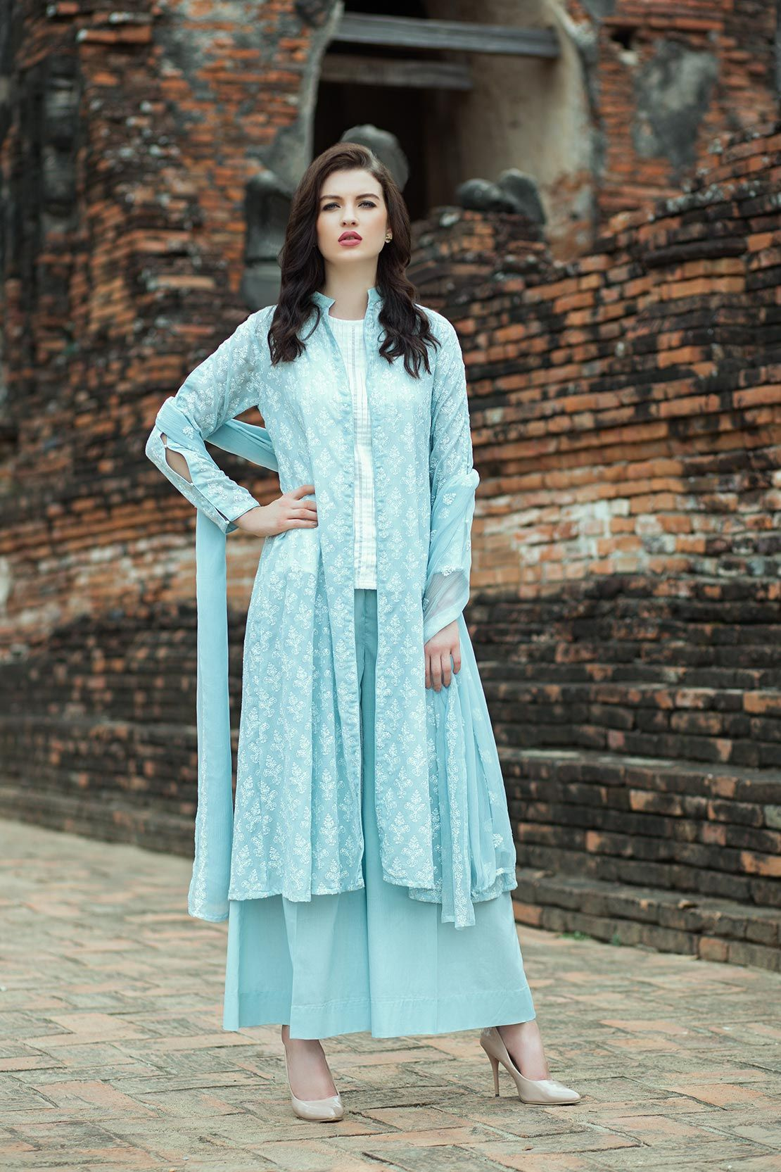 8f82c86475 New Kurti, Casual Work Attire, Sabyasachi, Dress Designs, Woman Clothing,  Pakistani