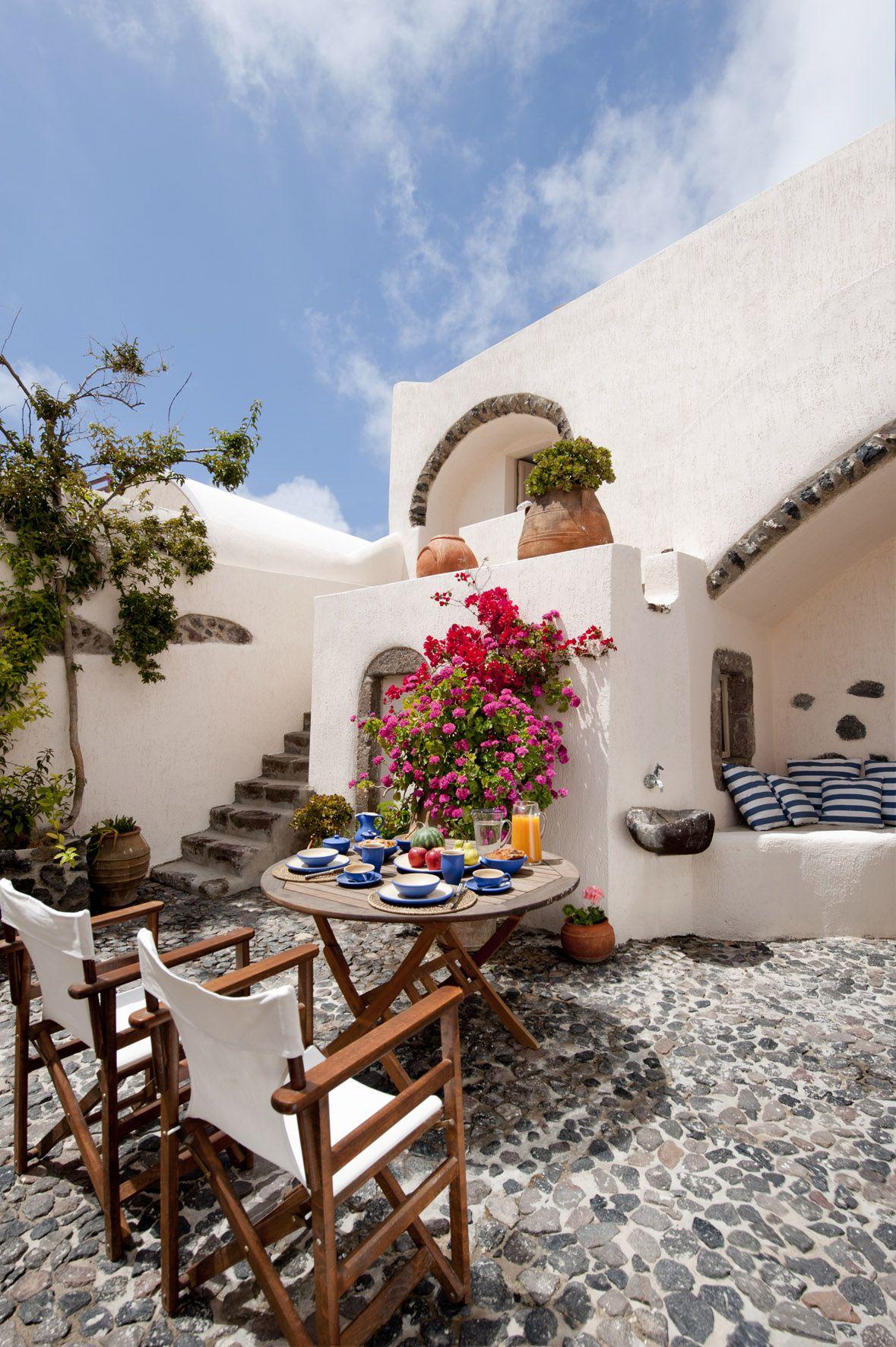 Patios y terrazas de estilo mediterr neo patios for Patios y terrazas