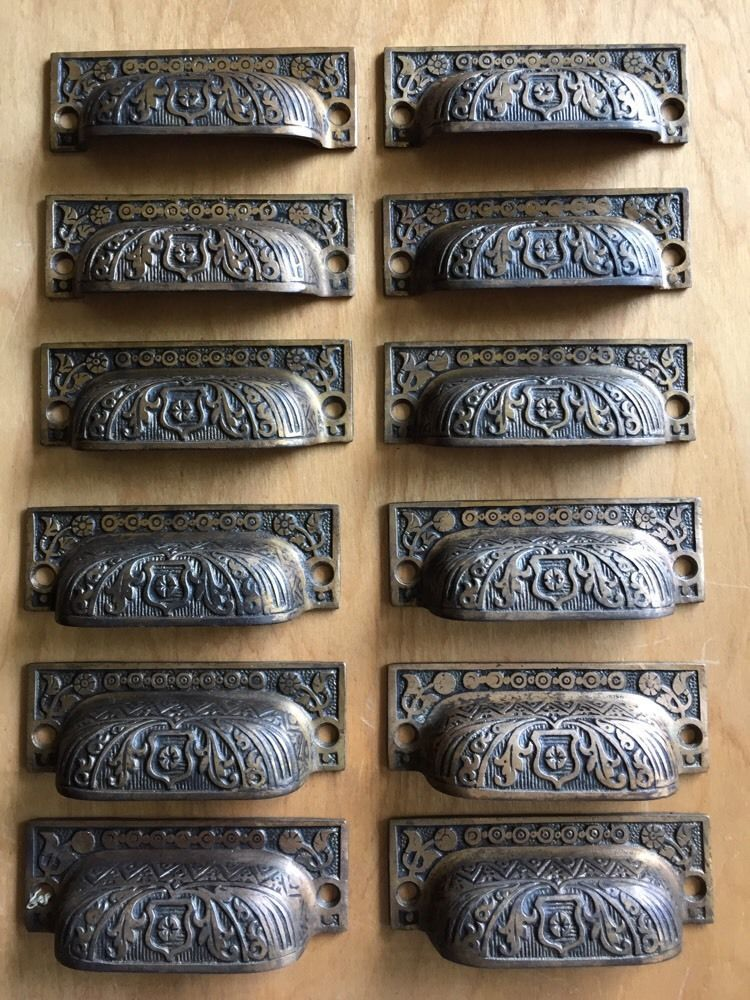 12 Eastlake Cupboard Metal Drawer Bin Pulls Victorian Antique Antique Drawers Antique Drawer Pulls Drawer Pulls
