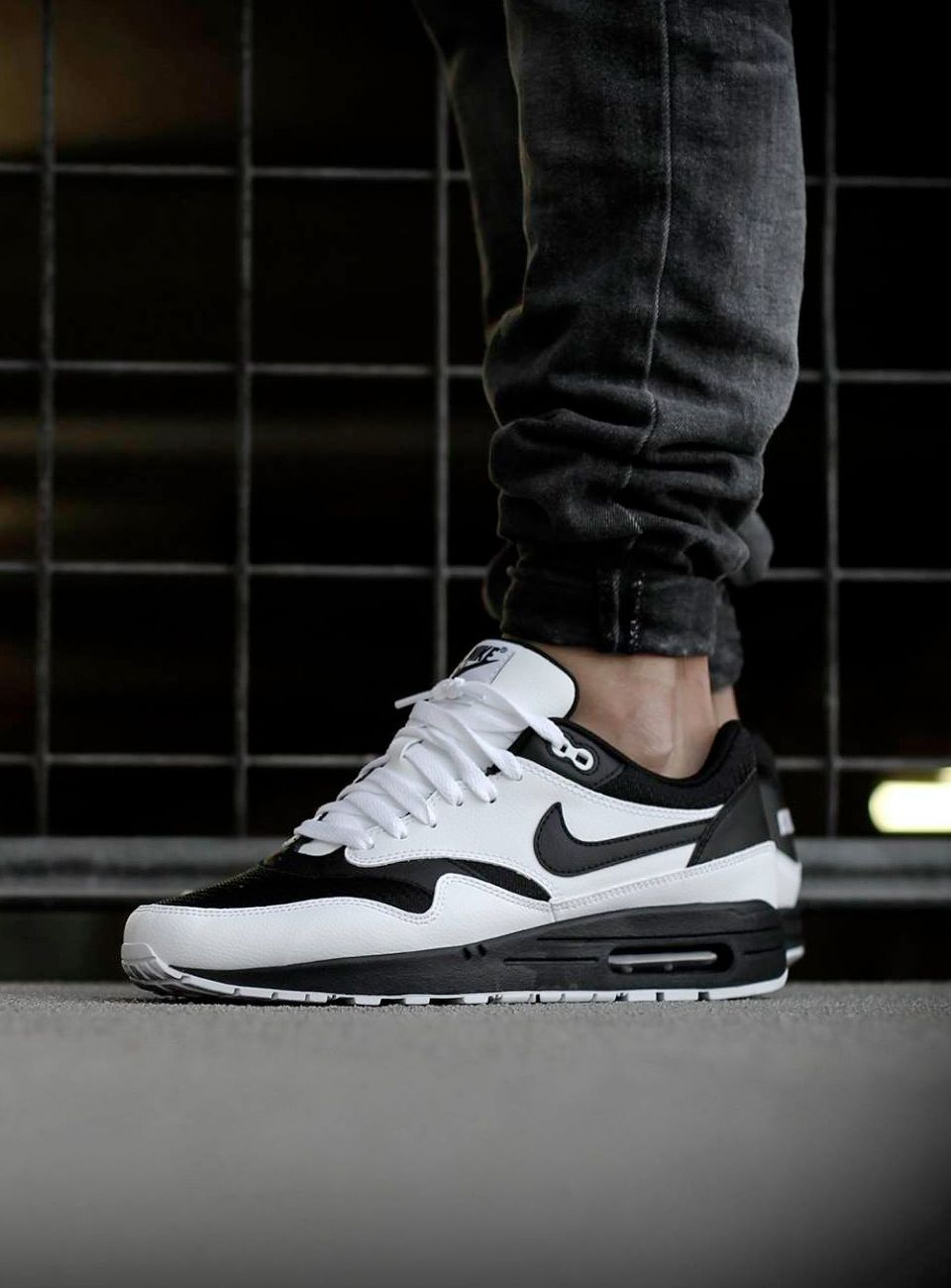 separation shoes 598f5 b30c9 These Nike ID Air Max 1 look like stormtrooper shoes!  airmax1  nikeID   sneakers