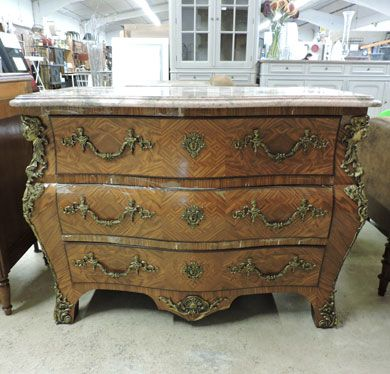 commode style louis xv antiquit brocante antiquit. Black Bedroom Furniture Sets. Home Design Ideas
