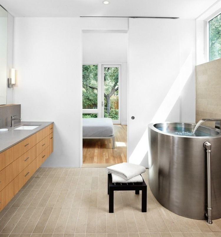 Modernes Badezimmer Mit Anschluss Zum Schlafzimmer