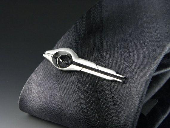 1a9f6f84e781 A handmade tie clip of a mass relay from the series Mass Effect. Cast and  hand crafted in sterling silver, it measures approximately 2.5