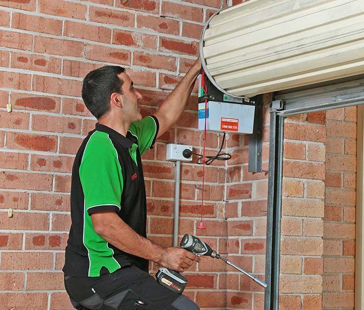 Rolling Door Repair In 2020 Roller Doors Door Repair Garage Doors