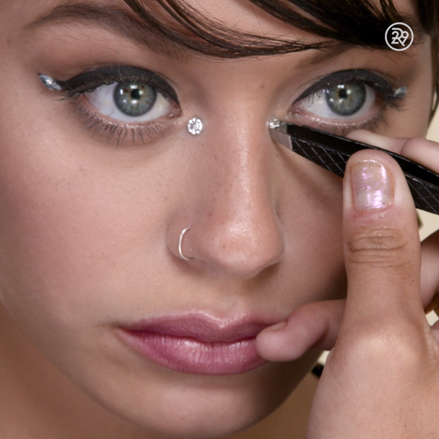 Wedding Makeup Winged Eyeliner : Take your winged eyeliner to the next level... Video ...