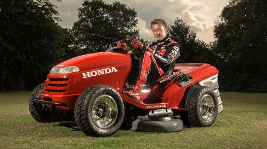 Honda S One Off Hf260 Lawn Tractor Is Capable Of Reaching 60 Mph 96 Km H In 4 0 Seconds Vehicules Camion