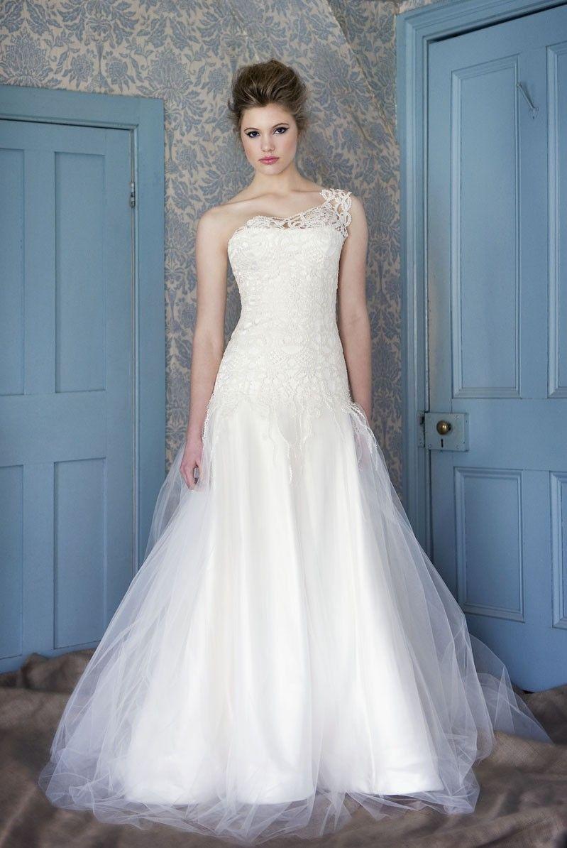 French Lace Wedding Gown - Ocodea.com
