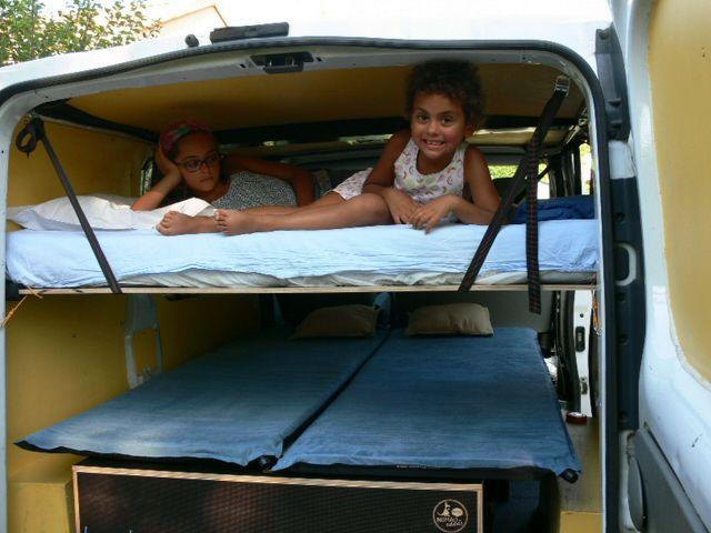 kit duo et lit enfant amenagement fourgon trafic am nagements voiture. Black Bedroom Furniture Sets. Home Design Ideas