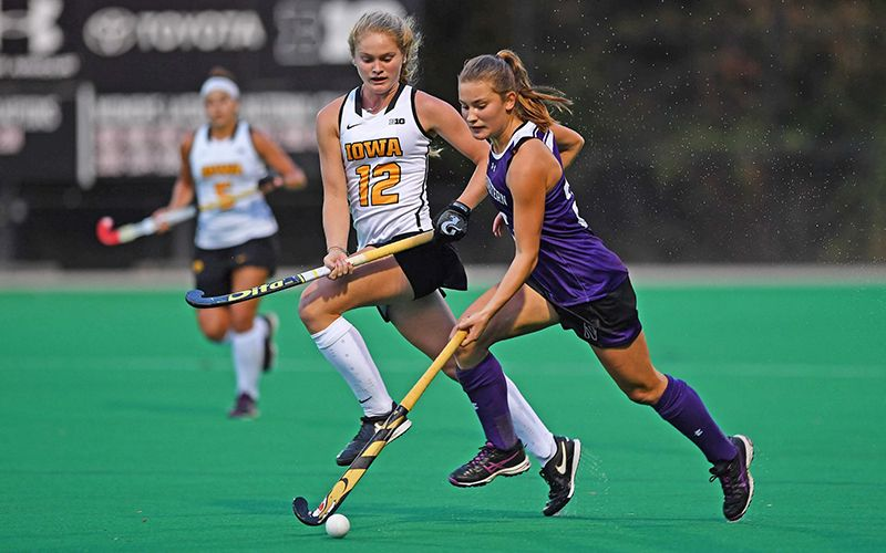Each August Women At Almost 300 Universities In The United States Return To Campus Before The Academic Year Starts To Join With Images College Hockey Athlete Field Hockey