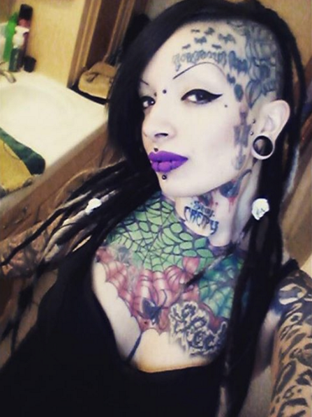 Cory Mortish girls with face tattoos Girl tattoos, Face