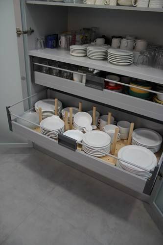 #diseño de #cocina Diseño de cocinas en Boadilla del Monte cocina moderna modelo Altea alto brillo sistema gola encimera levantina