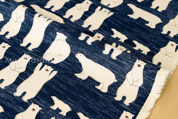 Tissus japonais les ours polaires en toile bleu par MissMatatabi
