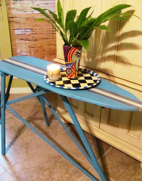 Cosas que se pueden hacer con tablas de surf this for Como reciclar una mesa de tv vieja