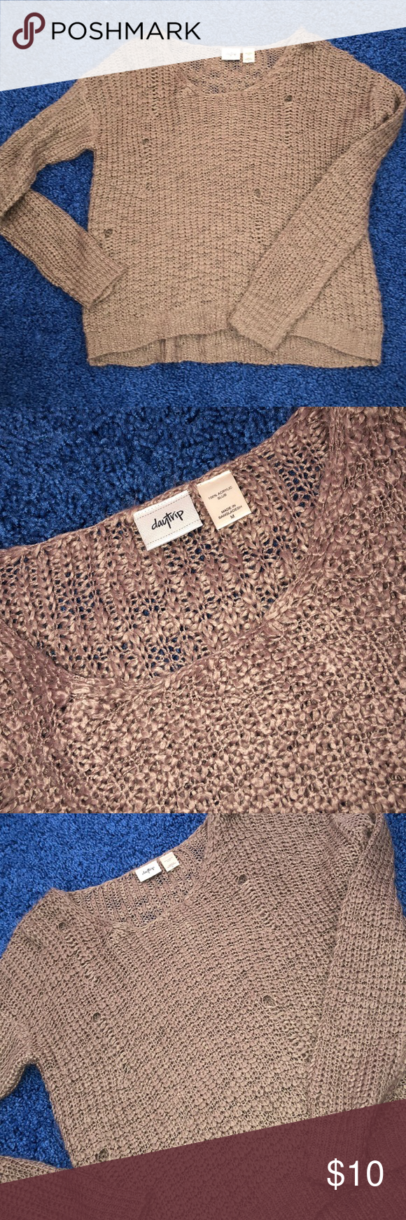 MEDIUM Ripped Daytrip sweater Purchased at buckle. Size medium. $10 Daytrip Sweaters