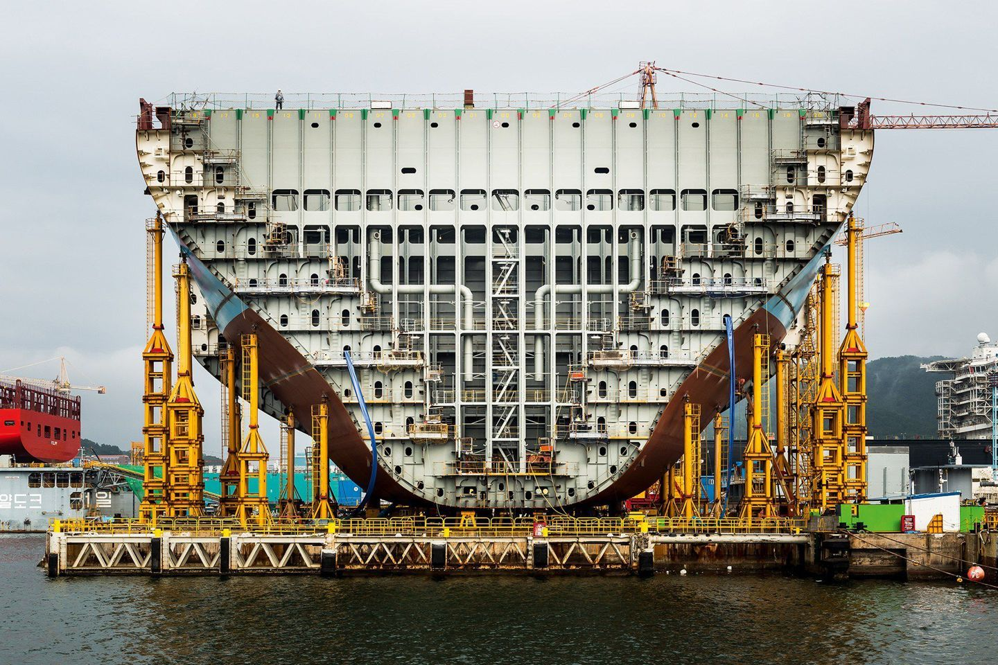 In Pictures Building The Worlds Largest Container Ship