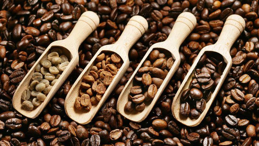 Light Roast Vs Dark Roast Coffee Which Packs More Health Perks Dark Roast Coffee Light Roast Coffee Coffee Roasting