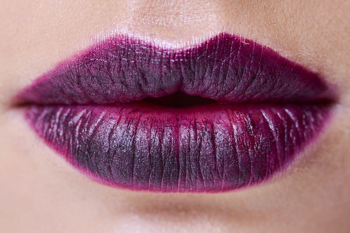 10 formas de maquillarse los labios. El color púrpura. © Luca Lazzari
