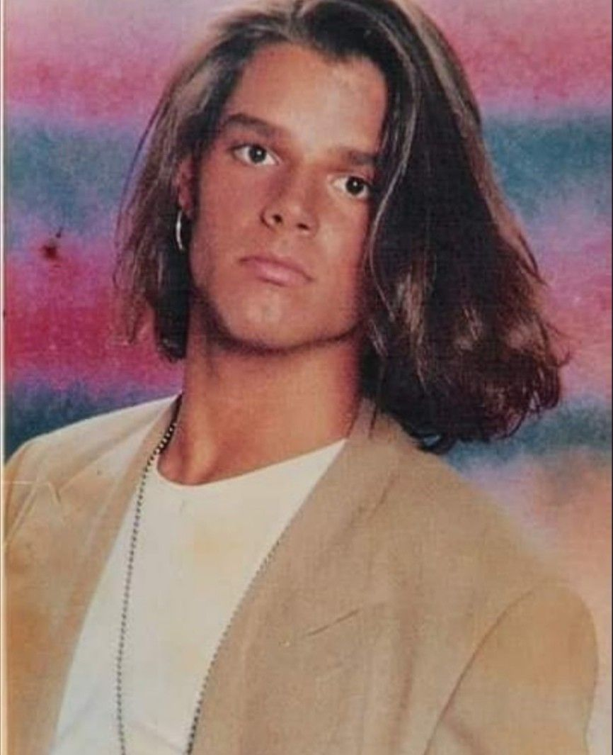 Pin By Lesiye Pilapil On Celebbs Ricky Martin Long Hair Styles Mens Hairstyles