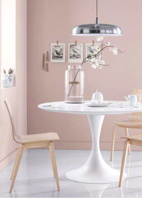 Ein Raum in Rosé #Kolorat #Wandfarbe #Rosa #Rose Wandfarbe ROSA - wohnzimmer rosa streichen