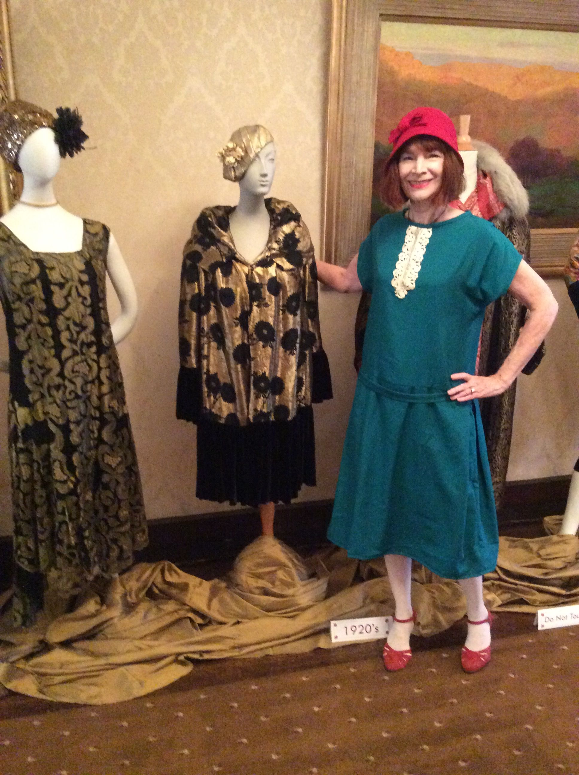 1920s One Hour dress with inverted side pleats Garment