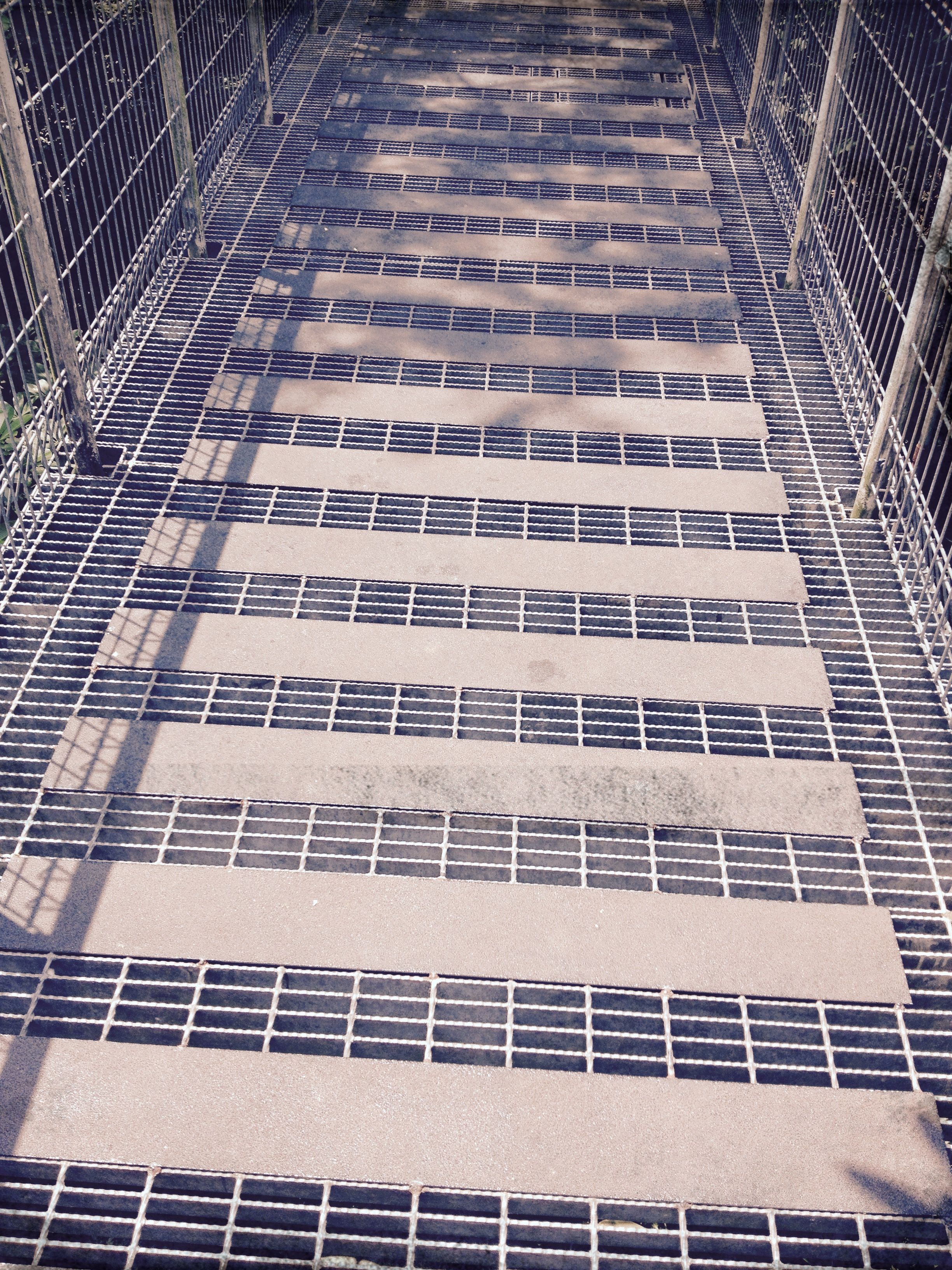 Elevated Galv Steel Grating Walkway Detailing