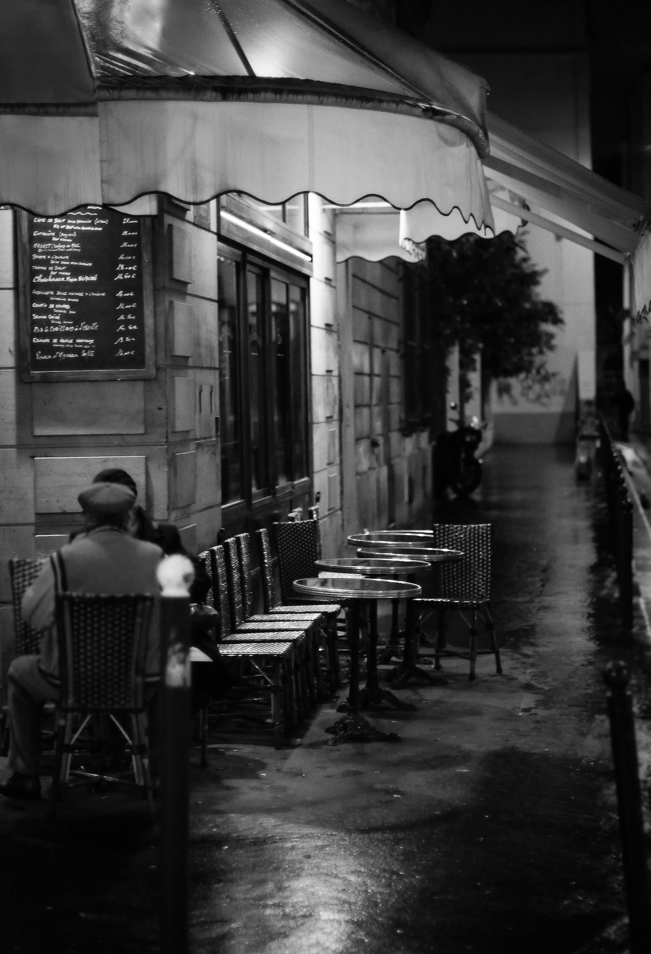 Pin By Bronte On Black And White Paris Cafe Cozy Drinks