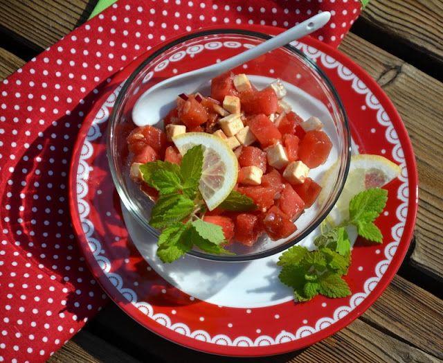 http://geschmeidige-koestlichkeiten.blogspot.co.at/2013/07/melonensalat-mit-schafskase.html