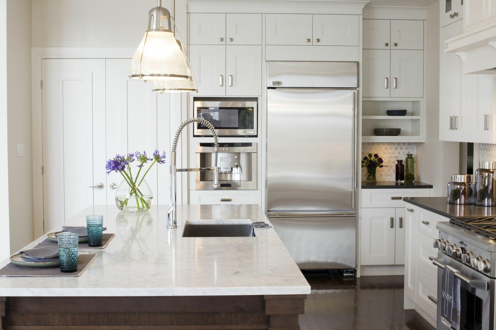 Such an elegant kitchen space! by astro design #ottawa #kitchen