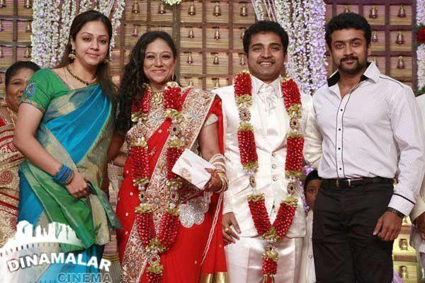 Jyothika Mehndi Ceremony : Suriya and jothika at dance master shobi wedding cute jyothika