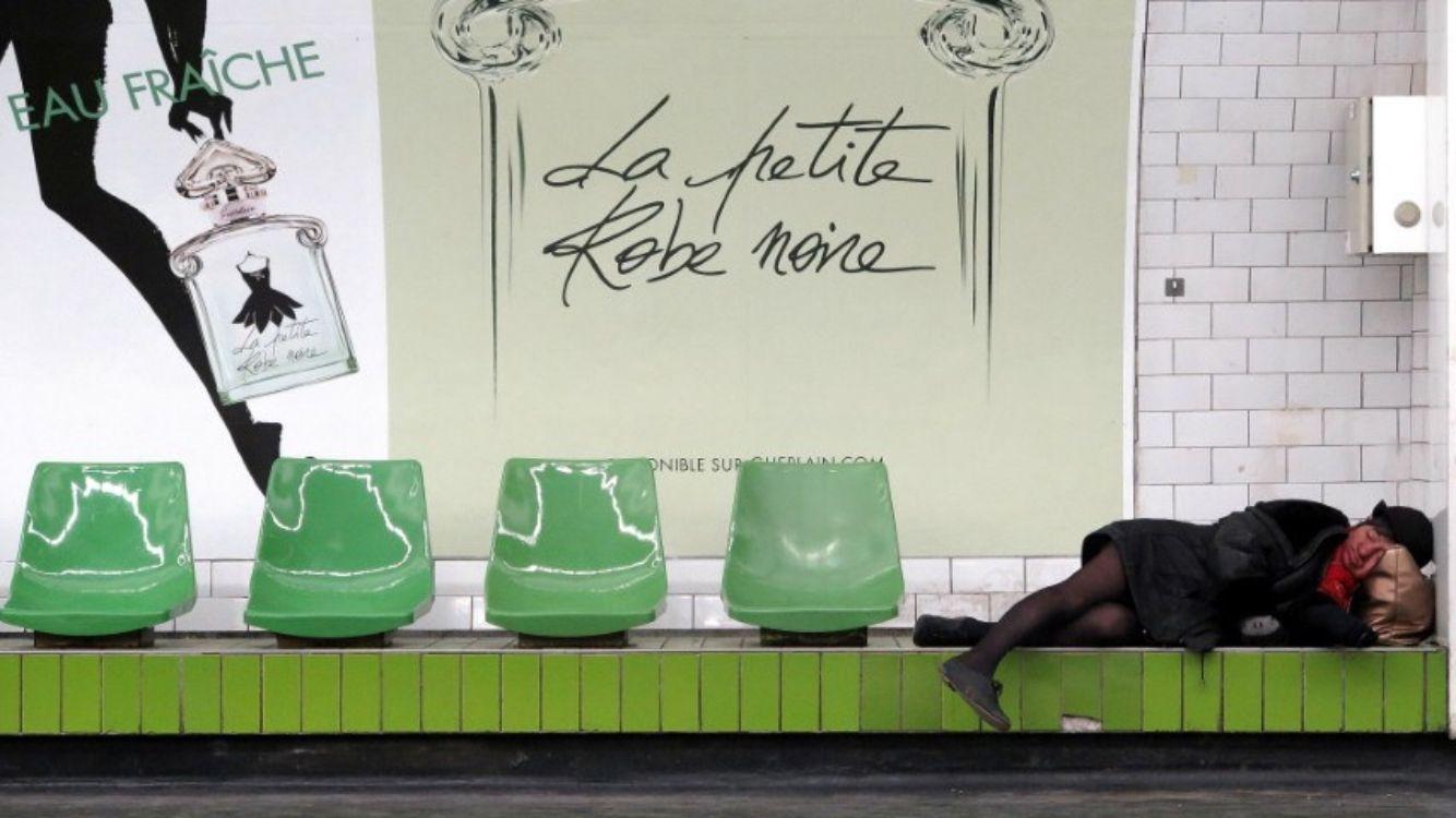 Un petit peu d humour en ce jour férié !!!  #guerlain #lprn #lapetiteronenoire #mademoiselleguerlain
