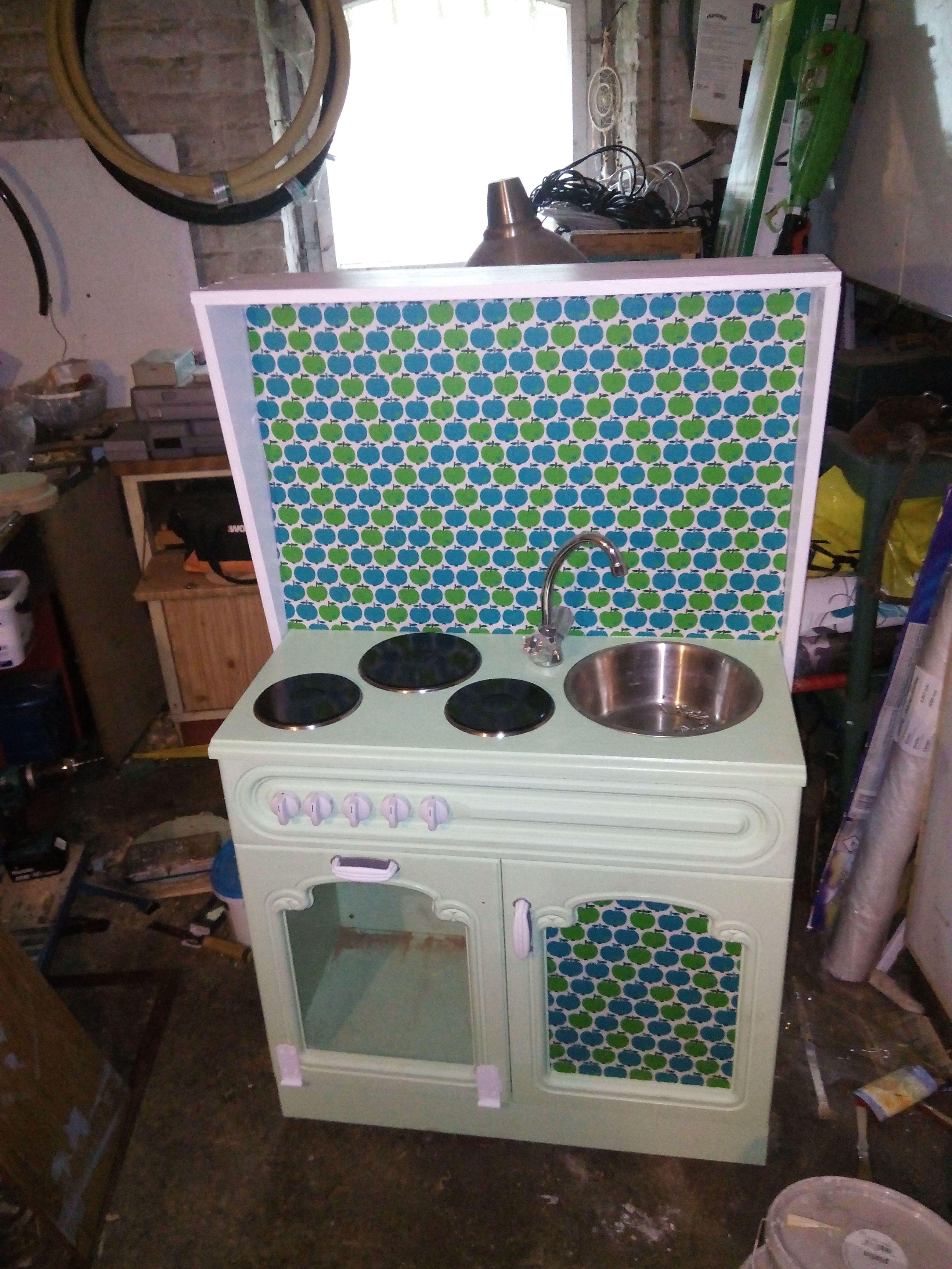 alter rustikaler eichenschrank t rf llungen wurden entnommen und durch plexiglas ersetzt bzw. Black Bedroom Furniture Sets. Home Design Ideas