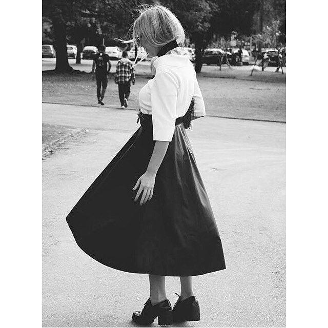 foto linda da @rafaelagalvao com saia e blusa da JARDIN. ❣ @use_jardin…