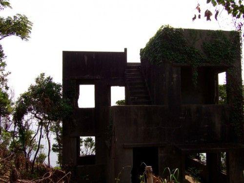 """三島由紀夫「潮騒」の舞台神島へ I visited the island that became the stage of novel """"SHIOSAI"""" of Yukio Mishima. There is a nostalgic atmosphere to Shimauchi. 三島由紀夫の小説「潮騒」の舞台になった島、神島を訪れました。三島由紀夫ファンなら、一度は訪れたい場所。。。 http://kimono.uzutama.net/post-393-393.html"""