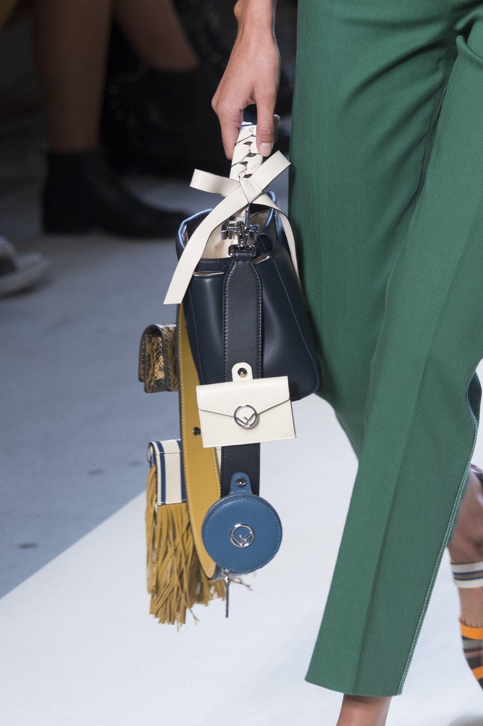 7 Bag Trends Fashion Girls Can T Stop Wearing Fashion Bags Bags