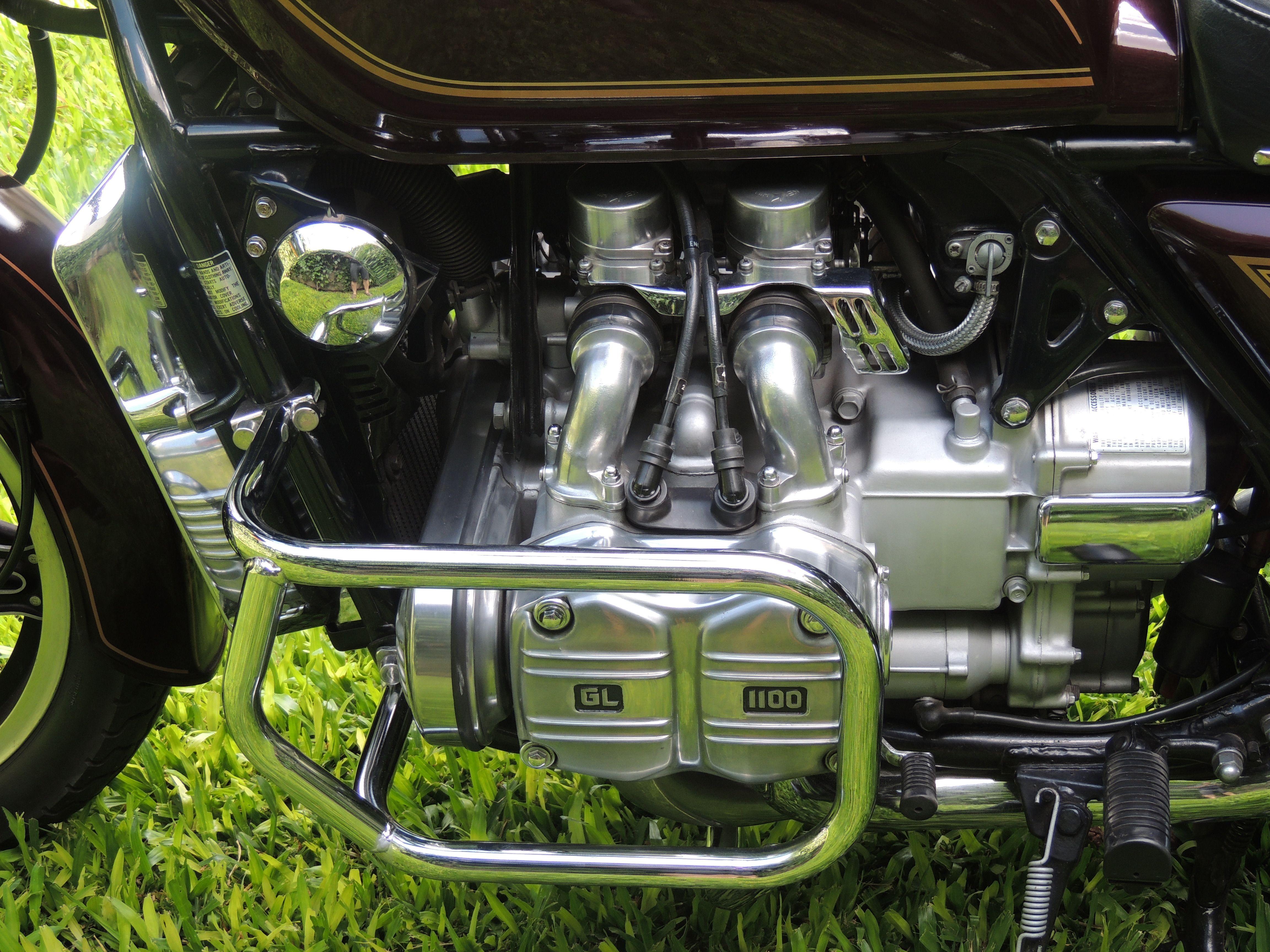 Pin de Mac Cuesta en Honda GOLDWING GL 1100 en 2020