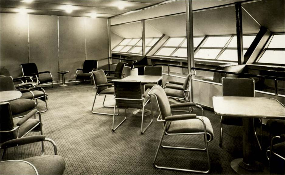 Zeppelin Interior.